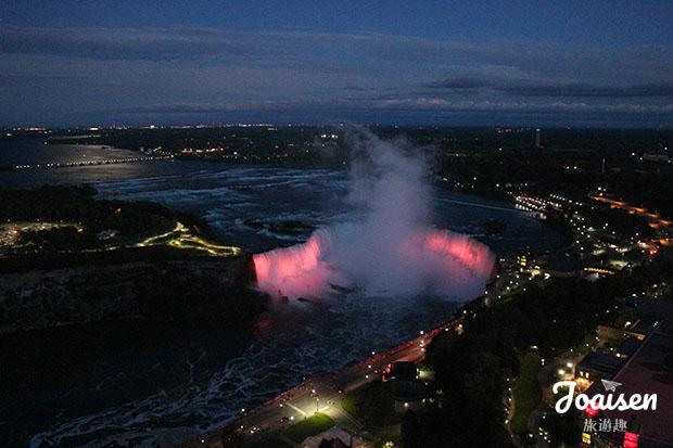 Skylon Tower欣賞夜晚的瀑布